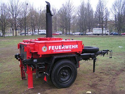Gulasch-Kanone einer Feuerwehr, Umbau aus einer Armeeküche