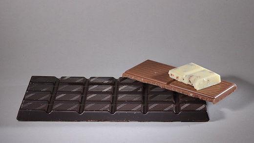 Verschiedene Schokoladensorten (Schwarze, Braune und Weiße)