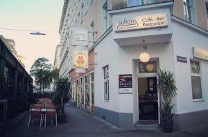 Restaurant Sultans Außenansicht mit Biergarten